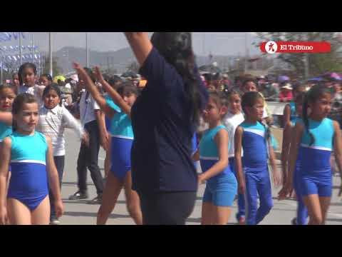 Desfile del Éxodo Jujeño en avenida Forestal