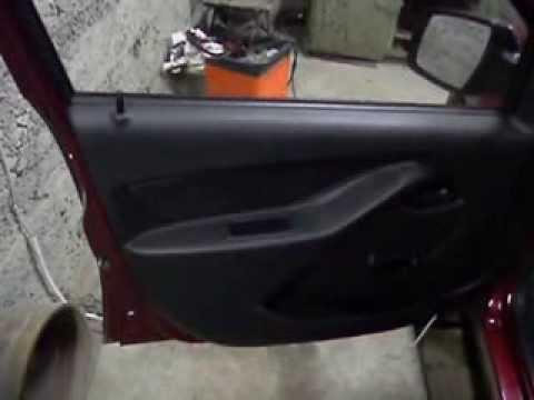 Снятие обшивки водительской двери Лада Гранта
