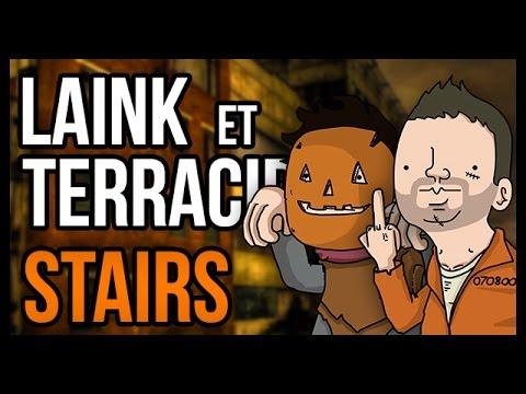 VALÉRIE NOUS FAIT PEUR POUR HALLOWEEN (Stairs)