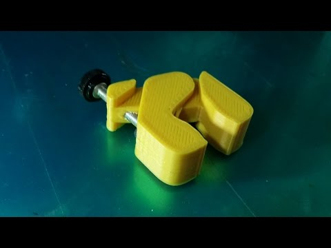 Real Time 3D Printing Small Clamp by walter