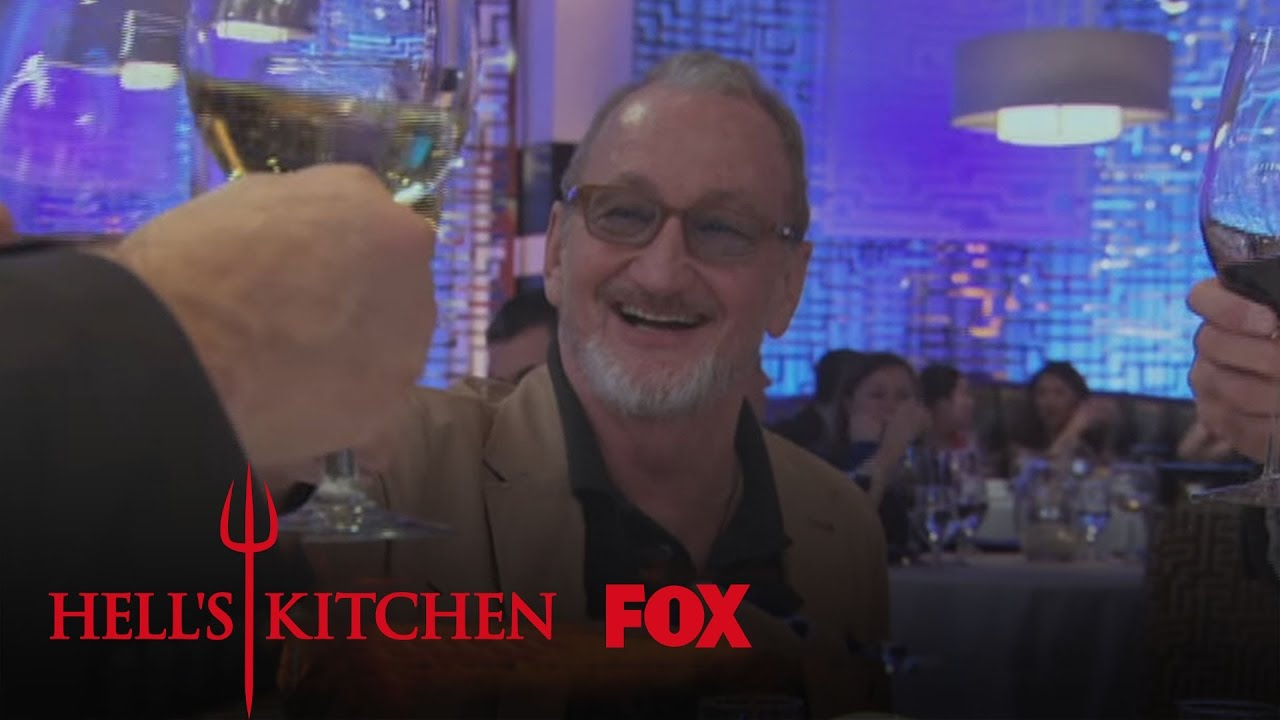 Hell S Kitchen Fills With Vips And Family Season 14 Ep 16 Hell S Kitchen