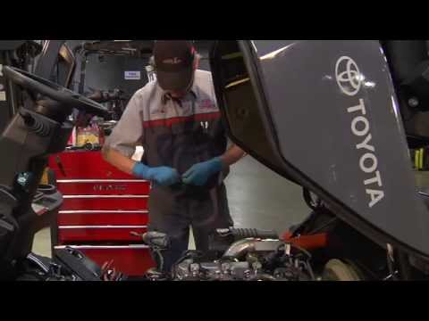 Toyota Material Handling | Parts & Services: Forklift Maintenance Plans