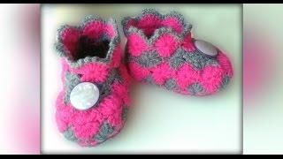 Как связать пинетки крючком. Babe's booties crochet(МК по вязанию подошвы по ссылке: https://youtu.be/6JWhPHx89OY Вступайте в мою группу вконтакте:http://vk.com/vse_o_vyazanii и в однокл..., 2016-02-10T21:42:57.000Z)