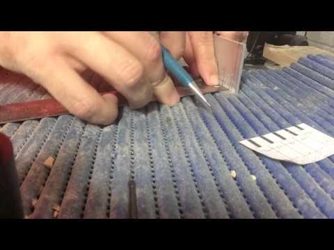 Fabricando uma ponte 5 cordas de alumínio para guitarra baiana - GB Music