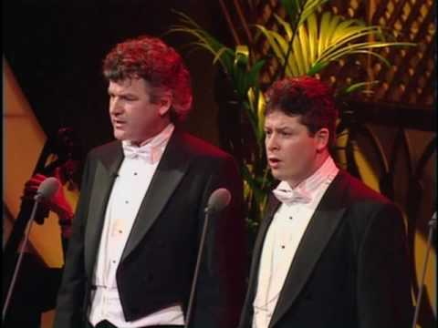 The Irish Tenors- Only Our Rivers Run Free (LIVE)