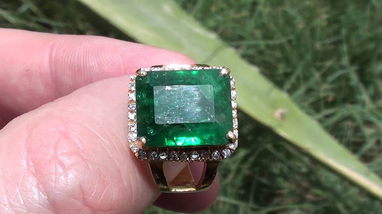 GIA Certified Swat Valley Emerald 896ct YouTube