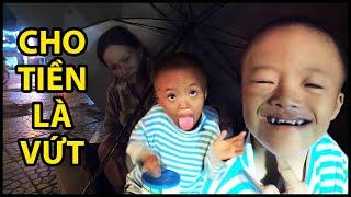 Cậu bé nanh sói thích ăn chay cho tiền là vứt, mẹ thà chịu đói chứ không bỏ con | QUỐC CHIẾN Channel