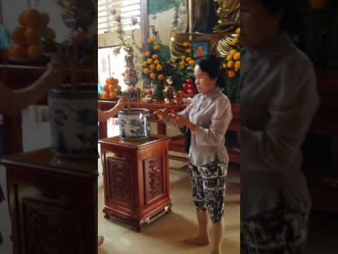 Hinh tho ong ba ,chua Phat Quang 3