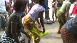 BOOTY MAPOUKA DANSE VILLAGE TRADITIONAL MOT A MOT