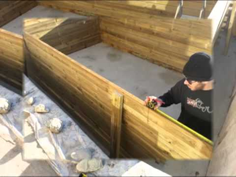 Installation d une piscine en bois youtube for Piscine hexagonale en bois