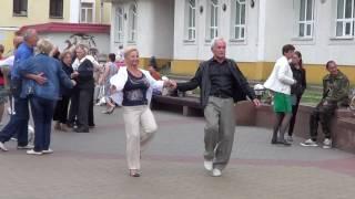 Пусть вам повезет в любви! Классная песня, классные танцы! Street dancing!