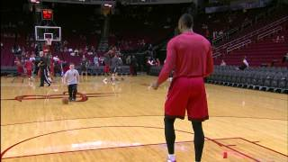Repeat youtube video Dwight Howard Plays 2-On-1 with Some Young Fans