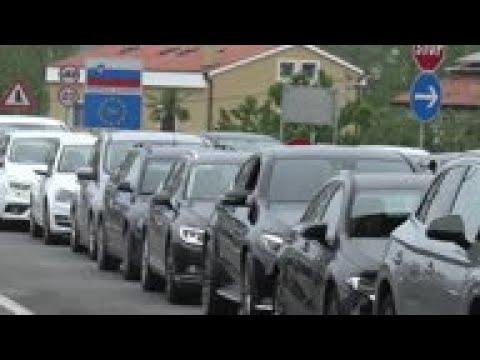 Slovenian Tourists Cross Borderinto Croatia