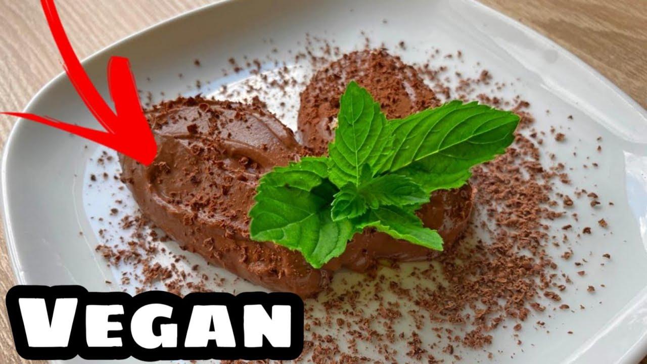 Vegane Mousse au Chocolat aus nur 4 Zutaten!