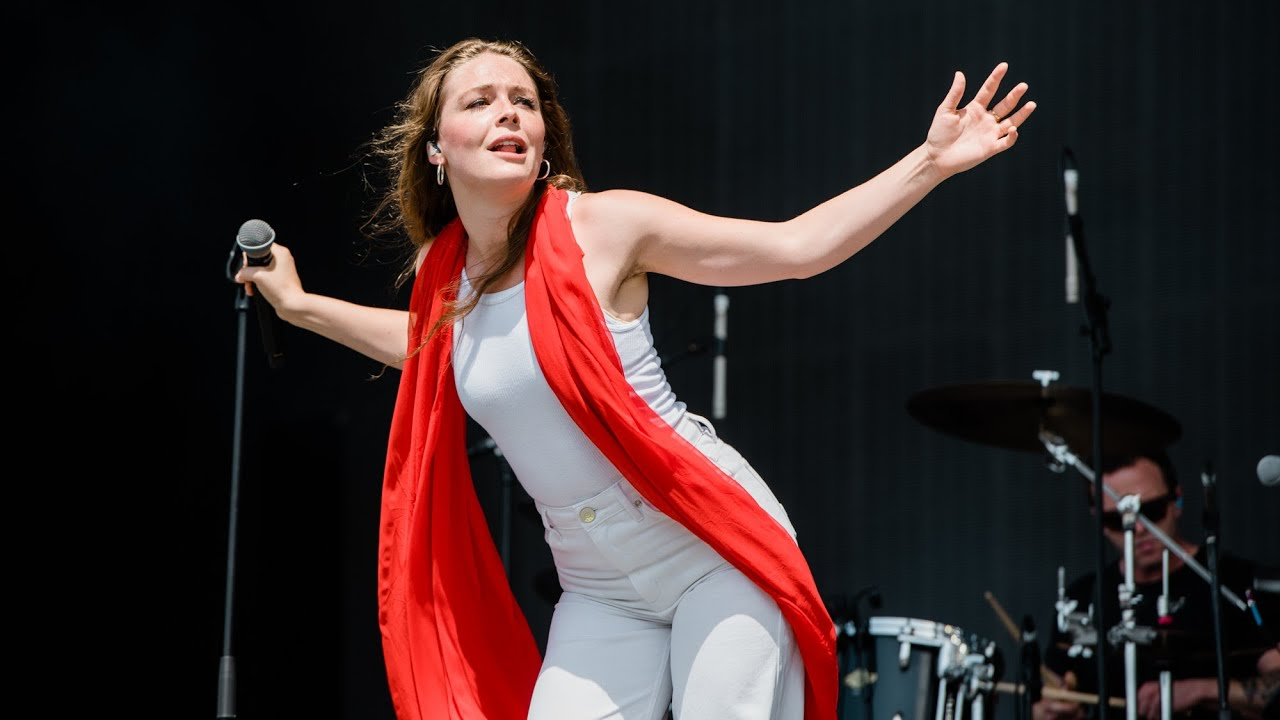 Maggie Rogers 'furious' with fan shouting 'take your top off'