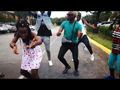 Triplets ghetto kid's from Uganda dancing kamba song with Chipukeezy