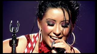 Christina Aguilera - At Last (Etta James song) (Stripped Live in the U.K.) | HD