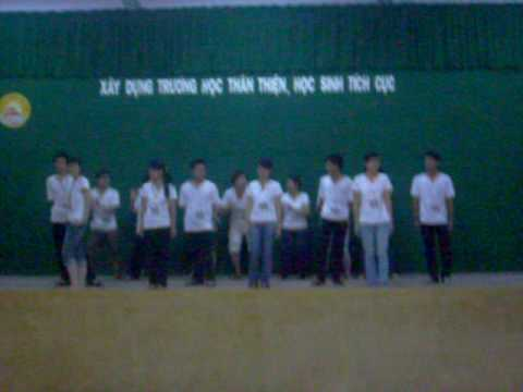 Thời trang áo lớp  12 sinh Quốc học huế niên khóa 2006-2009 hội trại 26/3