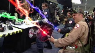 Cosplay Craze: Toronto Fan Expo 2011 and cool Ghostbusters effect