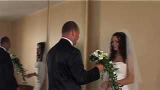 Начало свадебного фильма. Невеста