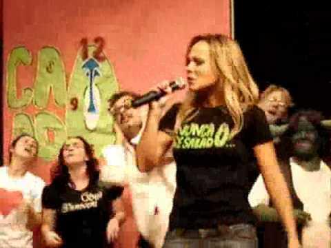 Eliana canta em homenagem a todos os chatos: VAI TOMAR NO CU!