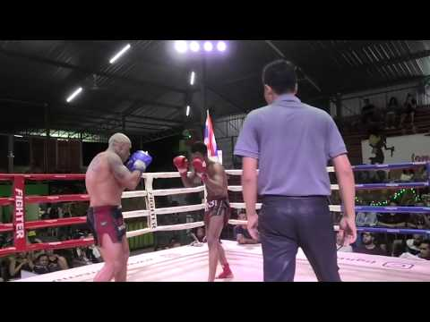 Kru SaenKaeng Sinbimuaythai fights at Rawai Boxing Stadium, 28th February 2020