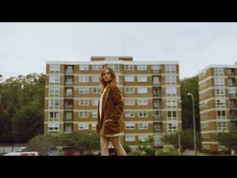 Gabrielle Aplin – Strange