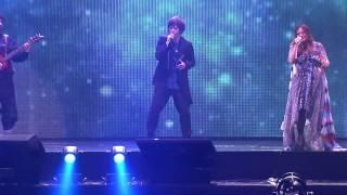 """家家+阿信  """"擁抱"""" Live at 愛最大演唱會"""