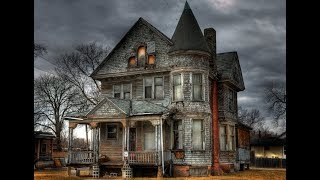 The House Next Door ( A Scary Movie)