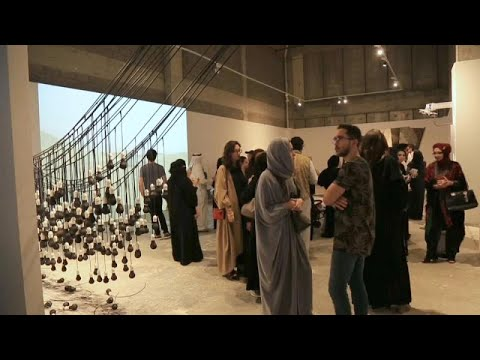 معرض -فن جدة 39-21- رؤى معاصرة بين الحداثة والأصالة لفنانين سعوديين…  - 16:54-2019 / 2 / 21