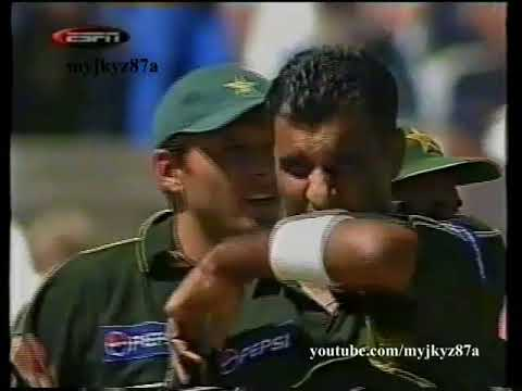 Waqar Younis - CAPTAIN PERFORMANCE - 4/41 Vs South Africa at Capetown 2002