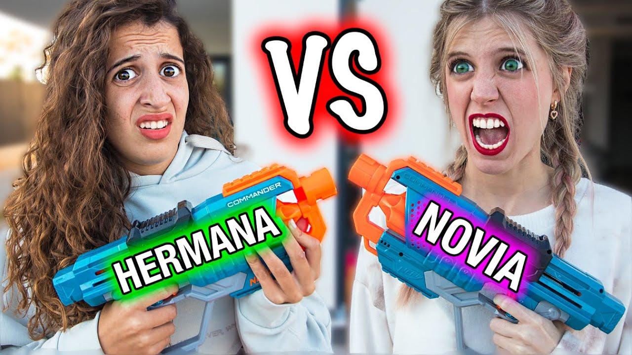 Competición NOVIA vs HERMANA PEQUEÑA!! (Si pierdes SALTAS a la PISCINA!!) – ¿Quién me conoce más?