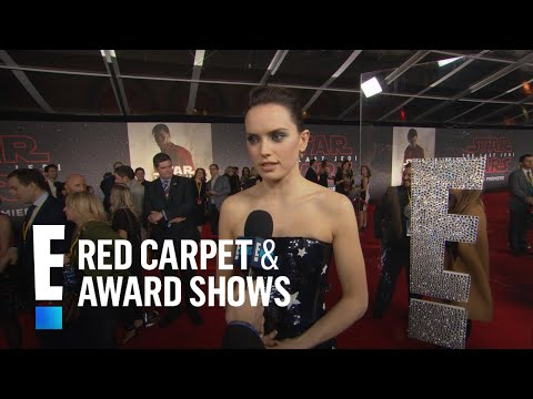 Download Youtube: Daisy Ridley Ribs John Boyega for Almost Missing Premiere | E! Live from the Red Carpet