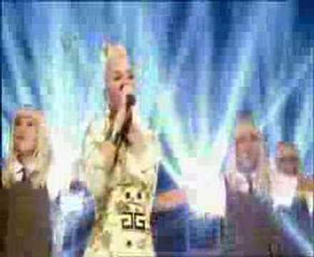 Gwen Stefani Wind it Up popworld