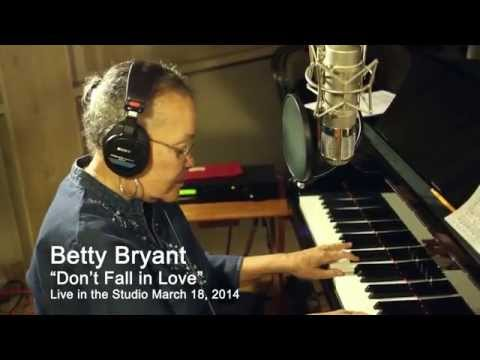 "Betty Bryant-""Dont fall in love with me""-Live in the studio-3-2-14 Mp3"