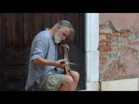 Streetmusician in Venice, Szabolcs Szoke, Gadulka