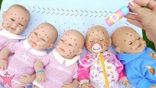 Todos mis bebés ENFERMOS a la vez👶Muñecas en Historias de juguetes