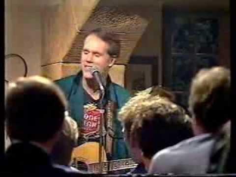 loudon-wainwright-iii-golfer-s-blues-edinburgh-mid-1980s-douglas-hadden