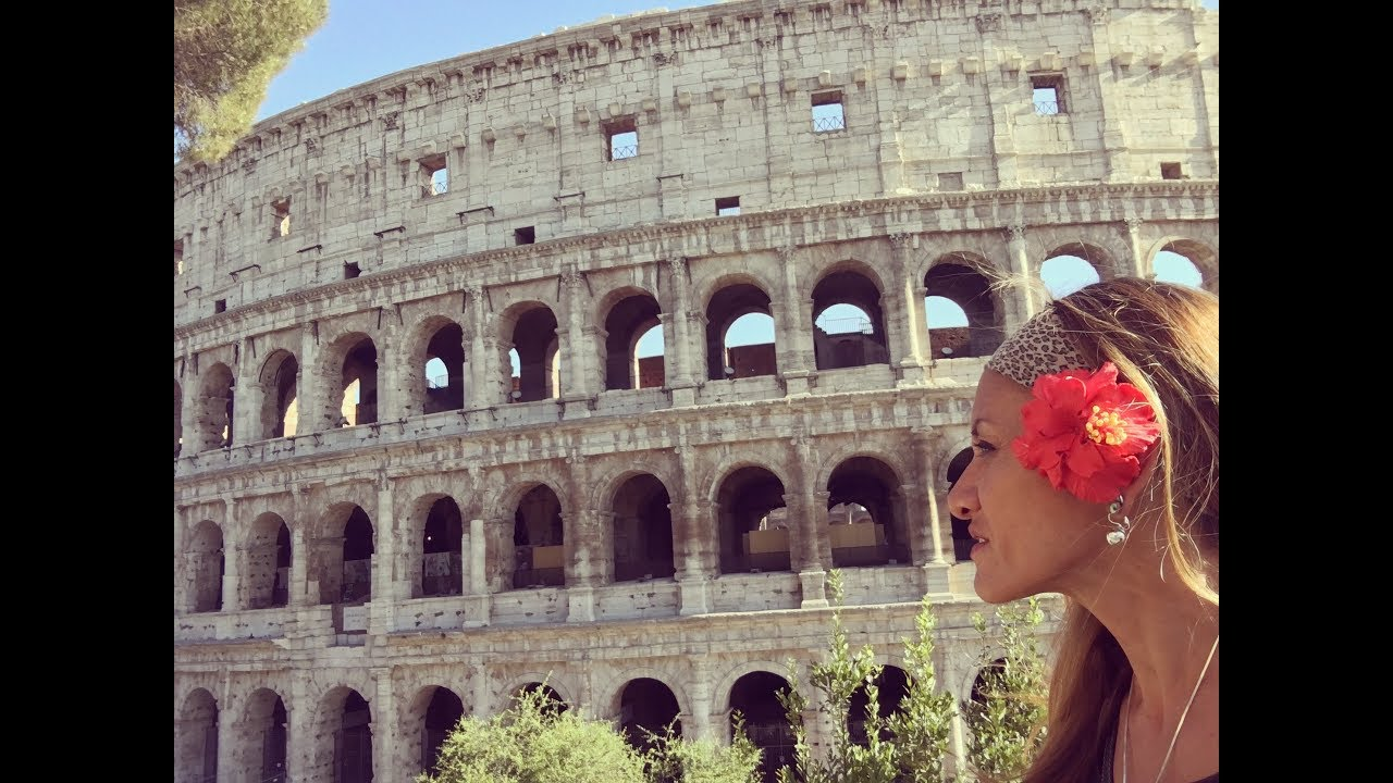 A Look At The Roman Colosseum Gladiator Arena Youtube