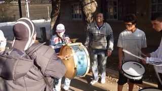 Ensayo de murga con los chicos de la Fundacion La Casita