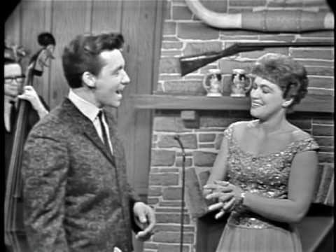 Patsy Cline & Bobby Lord - (Remember Me) I'm the One That Loves You