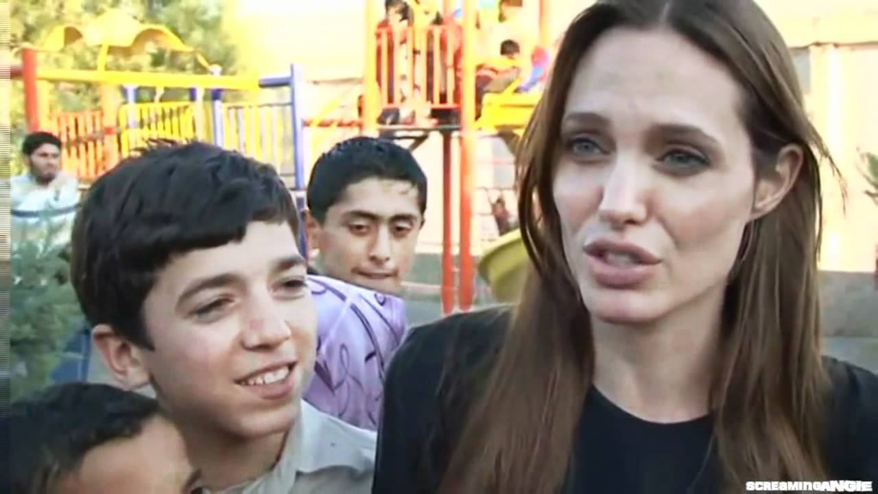 Angelina Jolie Meets Syrian Refugees in Turkey : UNHCR