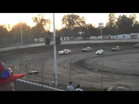 Thunder Stock Heat #2 at Limaland Motorsports Park 5/11/12