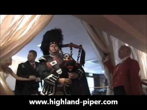 Wedding Bagpiper, Piping In The Bride and Groom.