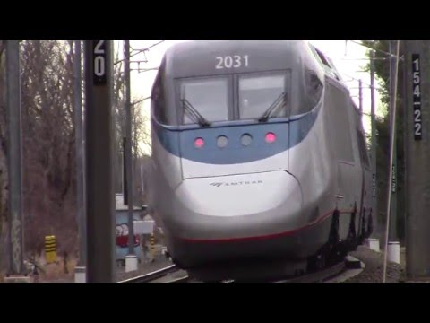 Thumbnail: Backwoods horn blasting from an Acela Express!