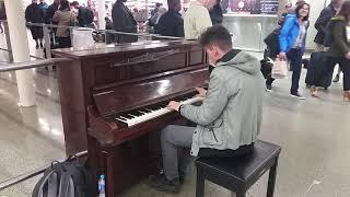 Piano Medley in London @St. Pancras International Station (THOMAS KRÜGER)