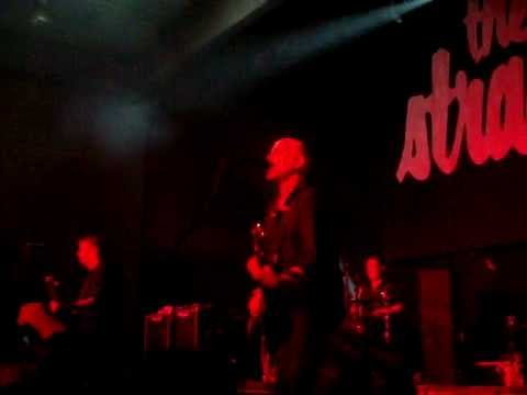 THE STRANGLERS @ LESSINES -31-03-12- NO MORE HEROES