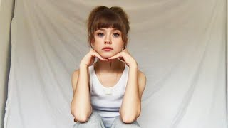 Смотреть клип Maisie Peters - Sad Girl Summer