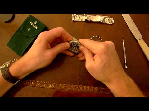 How to change the bezel insert on your Rolex Submariner