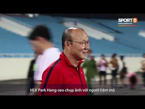HLV Park Hang-seo tiếp tục cầu nguyện trước trận đấu với CHDCND Triều Tiên